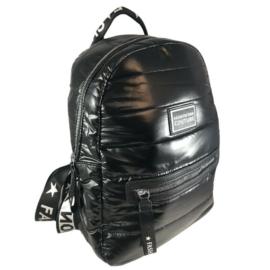 Fekete steppelt divatos hátizsák M21
