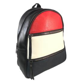 színes műbőr hátizsák