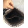 Kép 3/3 - Fekete steppelt osztott oldaltáska