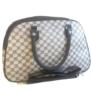 Kép 1/3 - Közepes méretű mintás bőrönd Aldene